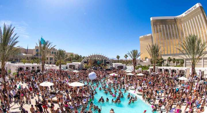 Daylight-Beach-Club-Mandalay-Bay